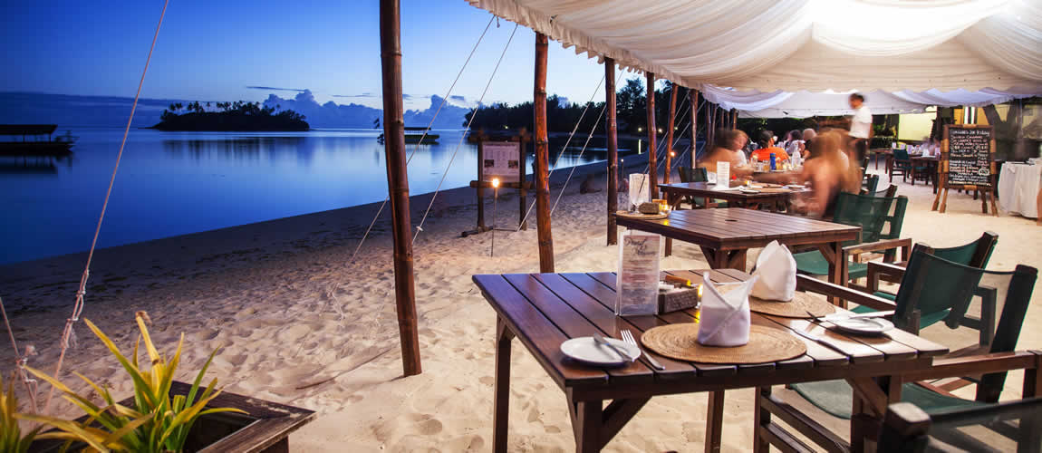 Sunset dining in the Cook Islands
