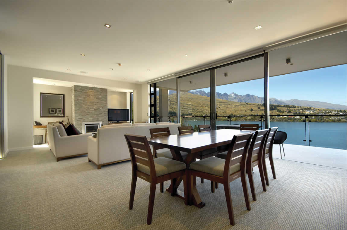 The Rees Hotel Queenstown lake view apartment